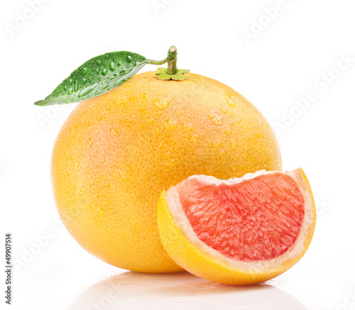 Fotografia  Grapefruit isolated on white background