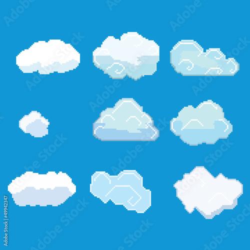 biale-chmurki-na-niebieskim-tle
