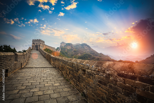 Poster Chinese Muur the great wall with sunset glow
