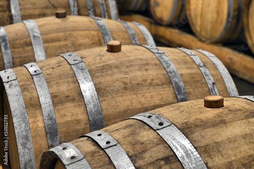 Foto Casks in wine cellar