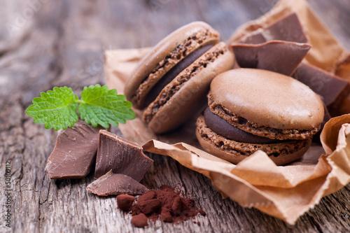 Photo sur Aluminium Macarons Macarons chocolat