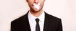 canvas print picture - Mann mit Pflaster auf Mund
