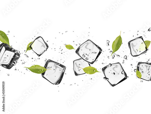 Poster Dans la glace Ice cubes on white background