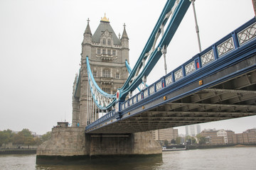 Fototapeta na wymiar Sightseeing Tower Bridge