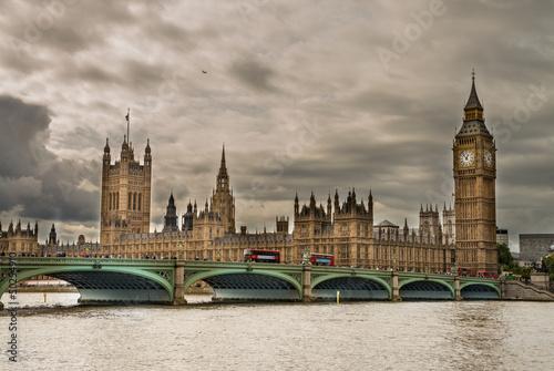 londyn-wspanialy-widok-na-most-westminster-z-big-ben-i-ho