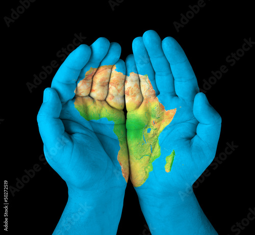 Poster Afrika Map of the continent of Africa painted on hands