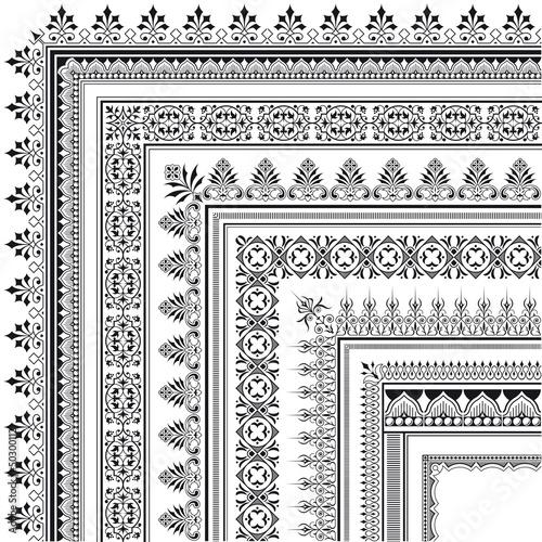 Fotografía  Ornamental corner border made of multiple frames