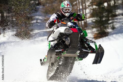 szybujac-skuterem-snieznym