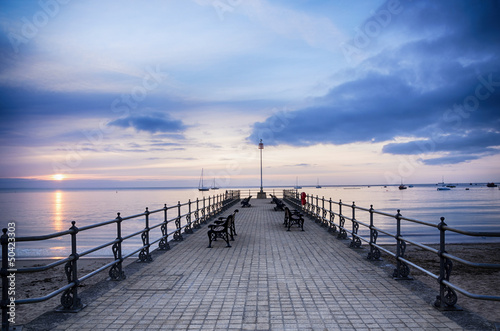 Tuinposter Pier Sunrise at the Banjo Pier at Swanage