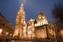 Toledro - Cathedral Primada Santa Maria De Toledo In Dusk