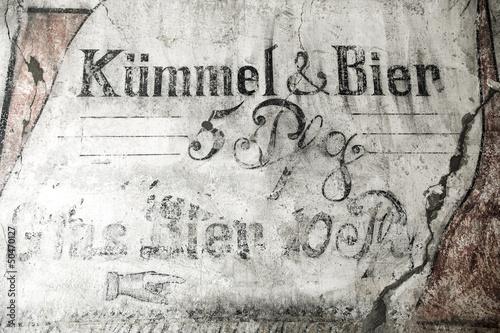 Foto op Aluminium Graffiti Alte Reklameschrift in Kiel, Deutschland
