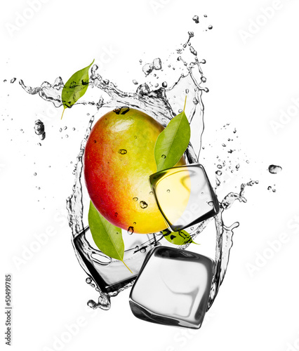Poster Eclaboussures d eau Mango with ice cubes, isolated on white background