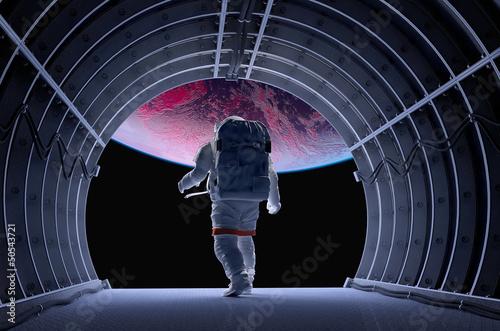 Astronauta w tunelach