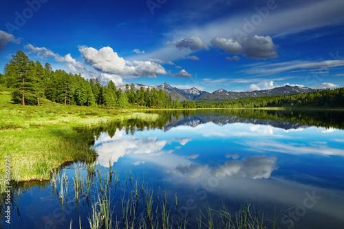 Deurstickers Meer / Vijver Mountain lake