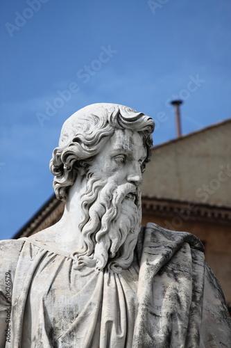 Fotografía  Statue of Saint Paul the Apostle in Rome, Italy