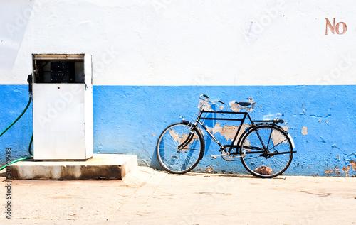 Foto op Plexiglas Fiets black bicycle