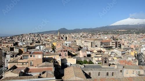 Fényképezés  Panoramic view of sicilian town and Etna volcano