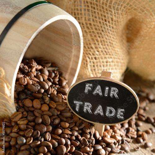 Fotografie, Obraz  Fairer Handel Bio-Kaffee mit Holzfass
