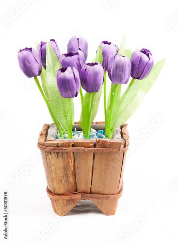 piekny-bukiet-purpurowi-tulipany-odizolowywajacy-na-wh