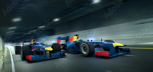 Canvas Prints F1 2 rennwagen im tunnel