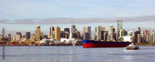 Spoed Foto op Canvas Canada Vancouver Canada panoramic cityscape with ships