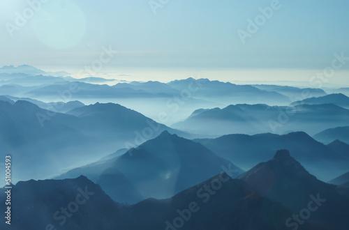 Cadres-photo bureau Bleu jean Nebelschwaden in den Tälern des Voralpenlandes