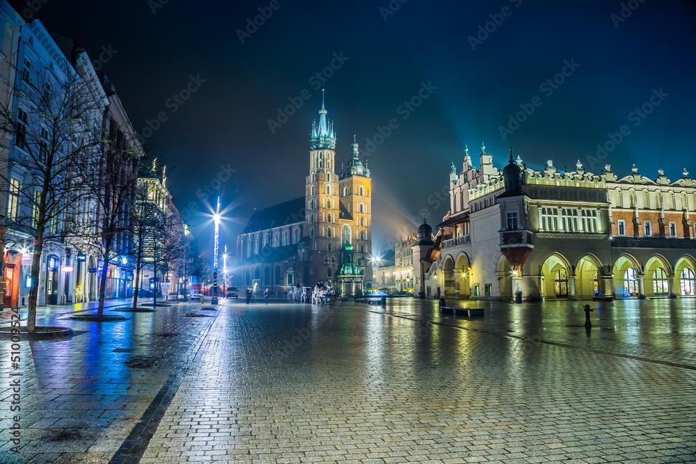 Polska, Kraków. Rynek w nocy