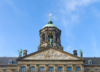 Fototapeta na wymiar royal palace in Amsterdam
