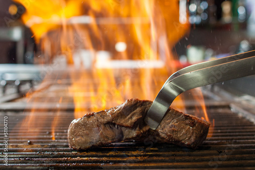 Photo Stands Grill / Barbecue steak grill