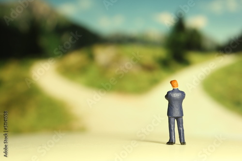 Fotografie, Obraz  分かれ道とビジネスマン