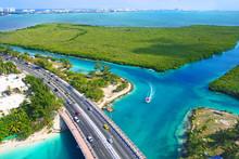 Vue Aérienne Du Lagon De Cancun