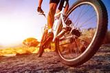 człowiek roweru górskiego - 51155596