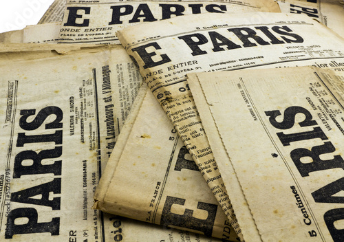 Garden Poster Newspapers Ancien journaux Paris