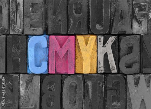 cmyk-wykonane-ze-starych-blokow-typografii