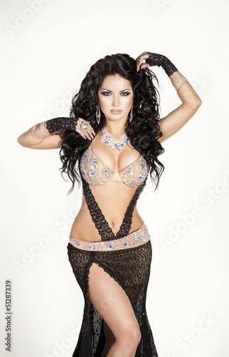 Arbi dance sexy