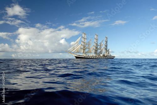 Obrazy na płótnie Canvas Sailing boat in the sea