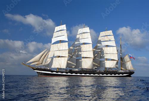 Sailing © Alvov