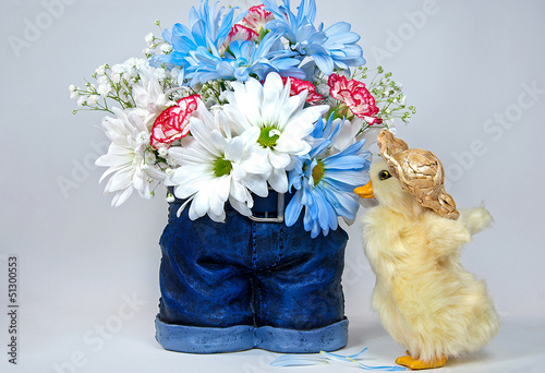 Photo  daisy bouquet in blue jeans