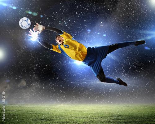 In de dag voetbal Goalkeeper catches the ball