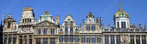 Fotobehang Brussel Panorama of the impressive Guildhalls in Grand Place, Brussels