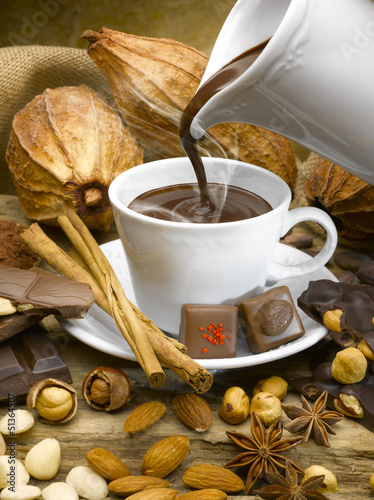 Fototapeta premium Parująca filiżanka czekolady