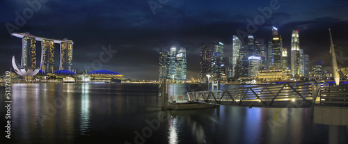 Tuinposter Singapore Singapore Skyline by the Esplanade Panorama