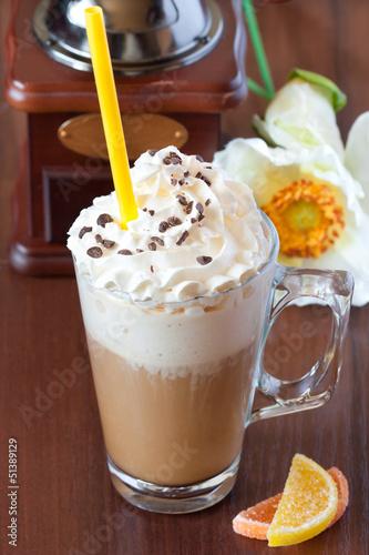 Foto op Plexiglas Milkshake Latte.