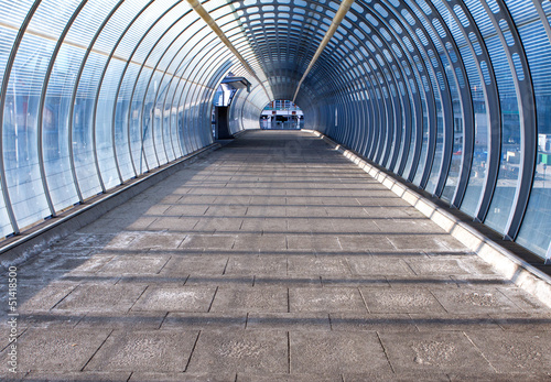 Photo footpath and tunnel made of glass