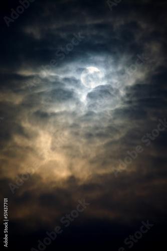 In de dag Volle maan Dark Sky