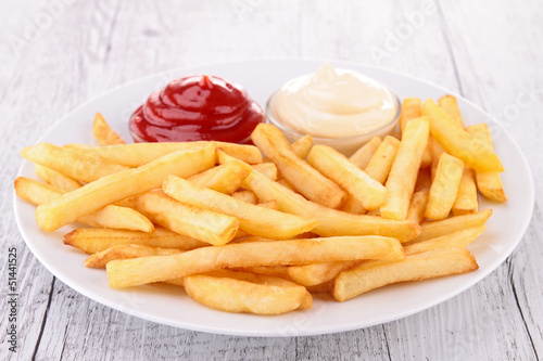 Photo  plate of french fries