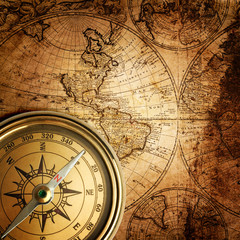 Fototapetaold compass on vintage map 1746