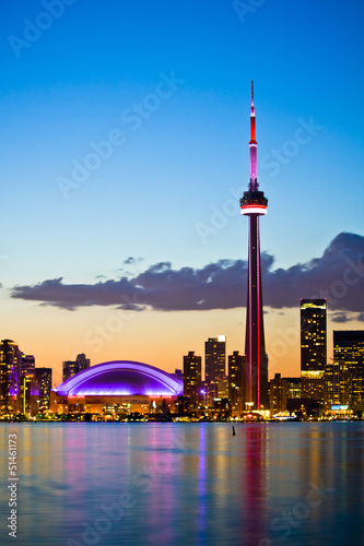 La pose en embrasure Toronto Toronto cityscape with beautiful sunset skyline as background