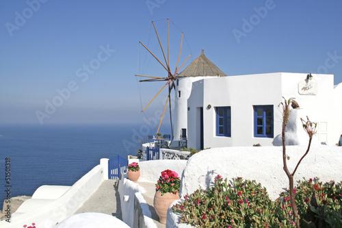 Fototapety, obrazy: Oia auf Santorin, Windmühle am Meer 1