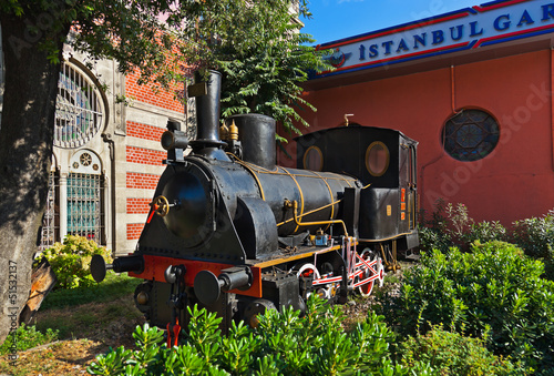 Statue of orient express at Istanbul Turkey Canvas-taulu